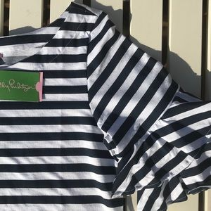 Lilly Pulitzer Tops - 🎉HP🎉 Lilly Pulitzer Navy & White Stripe